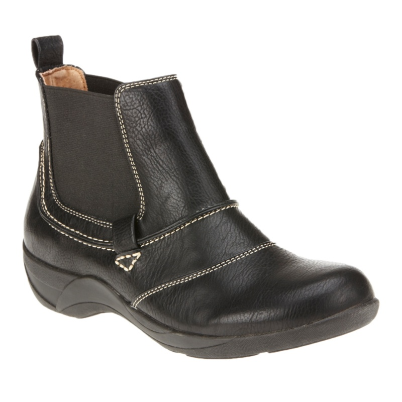Cliffs by White Mountain Brigham Ankle Boots
