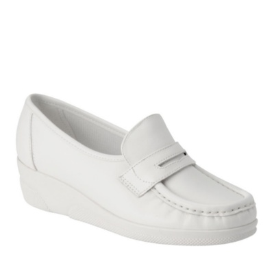 Nurse Mates Pennie Slip-On Loafers (white)