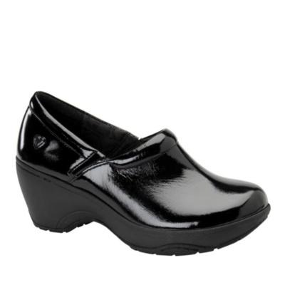 Nurse Mates Bryar Slip-On Clog Shoes (black patent)