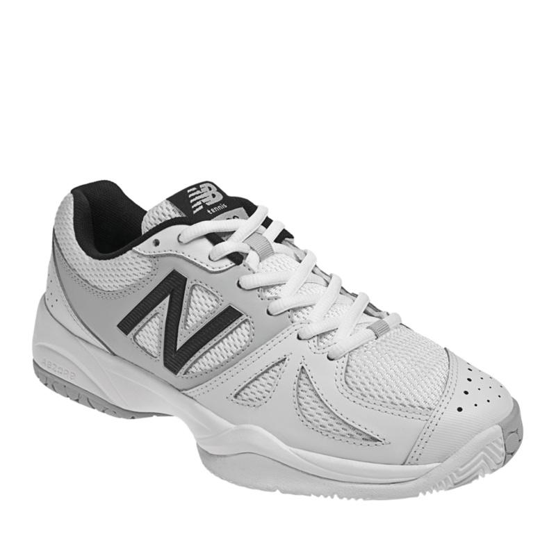 New Balance 696 Tennis Shoes (Women's)